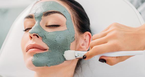Мануално почистване на лице